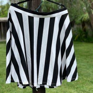 Black and White Forever 21 A Line Skirt